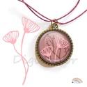Bordó nyaklánc, őszi növények, rózsaszín ékszer, absztrakt minták, ajándék nőknek, őszi hangulat , Ékszer, Medál, Nyaklánc, Ékszerszett, Bordó-rózsaszínű, növénymintás nyaklánc, (fülbevaló, gyűrű)  A kép átmérője 25 mm, a fülbevaló és a ..., Meska