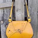 Mustárszínű steampunk táska, Táska, Válltáska, oldaltáska, Mustárszínű, valódi bőr béleletlen táska, steampunk stílusban. Erős, kemény bőr, az oldal..., Meska
