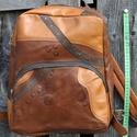Fogaskerekes, Táska, Hátizsák, Valódi bőr hátizsák, fiús szín összeállításban, fogaskerekes mintával. Magassága 36 cm, ..., Meska