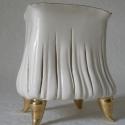 Fehér-arany porcelán gyertyataró, Otthon, lakberendezés, Gyertya, mécses, gyertyatartó, Négyszögletű, kehely formájú, arany lábakon álló, csíkosan átvilágító, elegáns gyertya..., Meska