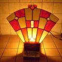 Tiffany feliratozható hangulatlámpa, Otthon, lakberendezés, Lámpa, Hangulatlámpa, Asztali lámpa, Fa talpra rögzített legyező formájú lámpakülönlegesség. Egyedi tervezés. Ballagásra pedag..., Meska