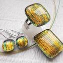 Zöld-arany ékszerszett, ajándék nőknek névnapra, születésnapra., Ékszer, óra, Ékszerszett, Gyűrű, Nyaklánc, Ékszerkészítés, Üvegművészet, Fusing technikával készült üvegmedál, gyűrű és fülbevaló.  Zöld-arany színű csillogó dichroic üvegb..., Meska
