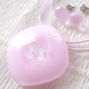 Hamvas rózsaszín, nyaklánc és fülbevaló , ajándék nőknek, lányoknak, névnapra, születésnapra., Ékszer, óra, Ékszerszett, Medál, Gyűrű, Ékszerkészítés, Üvegművészet, Fusing technikával készült üvegmedál, és fülbevaló. Minőségi finom pasztell rózsaszín üvegből olvas..., Meska