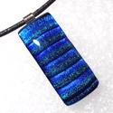 Kék-türkiz csíkos  dichroic medál, szalagavató bálra, névnapra, születésnapra., Ékszer, óra, Ékszerszett, Medál, Nyaklánc, Ékszerkészítés, Üvegművészet, Olvasztásos technikával készült csúcsminőségű türkiz-kék csíkos dichroic  üvegből. Nagyon dekoratív..., Meska