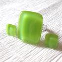 Zöld színű gyűrű és fülbevaló, ajándék névnapra születésnapra., Ékszer, óra, Gyűrű, Fülbevaló, Ékszerszett, Ékszerkészítés, Üvegművészet, Fusing technikával készült gyűrű és fülbevaló. Minőségi kiwizöld színű ékszerüvegből olvasztottam, ..., Meska