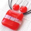 Piros ékszerszett, ajándék nőknek névnapra, születésnapra., Ékszer, óra, Ruha, divat, cipő, Női ruha, Ékszerszett, Ékszerkészítés, Üvegművészet, Olvasztásos technikával készült üvegmedál és fülbevaló.  Piros minőségi és áttetsző mintás csillogó..., Meska