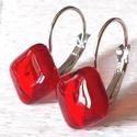 Piros  kocka fülbevaló, ajándék nőknek névnapra, születésnapra. , Ékszer, óra, Fülbevaló, Nyaklánc, Ékszerszett, Ékszerkészítés, Üvegművészet, Rubin piros ékszerüveg felhasználásával készült, olvasztásos  technikával.  Nikkelmentes alapra rag..., Meska
