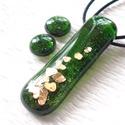 Arany-smaragd üvegékszer , ajándék nőknek névnapra, születésnapra karácsonyra., Ékszer, Medál, Nyaklánc, Fülbevaló, Ékszerkészítés, Üvegművészet, Fusing technikával készült üvegmedál, és a hozzá tartozó fülbevaló. Rendkívül elegáns igazi karácso..., Meska