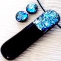 Ezüstös-kék medál és fülbevaló, ajándék ballagásra, névnapra, születésnapra., Ékszer, Ballagás, Ruha, divat, cipő, Fülbevaló, Ékszerkészítés, Üvegművészet, Olvasztásos technikával, fekete és ezüstös-kék mintás dichroic  üvegből készült. Rendkívül elegáns,..., Meska