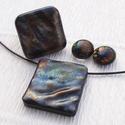 Bronzos szivárvány dichroic ékszerszett, ajándék névnapra, születésnapra., Ékszer, Nyaklánc, Ékszerszett, Fülbevaló, Fusing technikával készült.  Csúcsminőségű szivárványos, hullámos felületű dichroic  üvegből  olvasz..., Meska