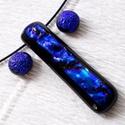 Királykék ragyogás dichroic medál és fülbevaló, ajándék névnapra, születésnapra., Ékszer, Ékszerszett, Fülbevaló, Fusing technikával készült, kék mintás dichroic  üvegből  olvasztottam.   A fém alkatrészek nikkelme..., Meska
