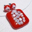 Piros muránói üveg medál és fülbevaló, ajándék lányoknyak, névnapra, születésnapra., Ékszer, Nyaklánc, Medál, Fülbevaló, Fusing technikával készült üvegmedál,  és fülbevaló. Piros színű muránói ékszerüvegből  olvasztottam..., Meska