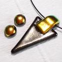 Bronzos- metál  ékszerszett farsangra, névnapra, születésnapra., Ékszer, Ékszerszett, Fülbevaló, Olvasztásos technikával készült elegáns medál és fülbevaló. Csúcsminőségű ezüstös-bronzos fénnyel ir..., Meska