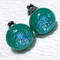 Türkiz-kék fények fülbevaló, ajándék lányoknak, nőknek névnapra,születésnapra., Ékszer, Fülbevaló, Nyaklánc, Ékszerszett, Csúcsminőségű csillogó dichroic üveg felhasználásával készült olvasztásos  technikával.  A fülbevaló..., Meska