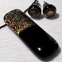 Arany csiga medál és fülbevaló, ajándék mikulás csomagban., Ékszer, Ékszerszett, Fülbevaló, Nyaklánc, Ékszerkészítés, Üvegművészet, Olvasztásos technikával készült rendkívül elegáns medál és fülbevaló. Csúcsminőségű fekete és arany..., Meska
