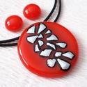 Piros-ezüst mintás ékszerszett, ajándék névnapra, születésnapra., Ékszer, Nyaklánc, Ékszerszett, Fülbevaló, Ékszerkészítés, Üvegművészet, Olvasztásos technikával készült  medál és fülbevaló. Csúcsminőségű  piros üvegből olvasztottam, egy..., Meska