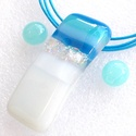 Kék-türkiz-fehér ékszerszett, névnapra, születésnapra., Fusing technikával készült üvegmedál és fül...