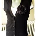 Gombos fekete kötött mellény, A mellény rugalmas, pamutos, középvastag kötö...