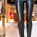 Bőrhatáső leggings, bőrnadrág, Ruha, divat, cipő, Női ruha, Nadrág, Gumis derekú fekete színű bőrhatású cicanadrág. Anyaga vékony, rugalmas, bőrhatású.  M-L méret  A mé..., Meska