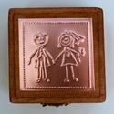 """""""Together forever"""" - gyűrűtartó doboz dombornyomott fémlemezzel, exkluzív béléssel =, Dekoráció, Esküvő, Gyűrűpárna, Dombornyomott rézlemezzel díszített pácolt fadoboz fehér selyembéléssel.  Gyűrűtartó dobozka bohém v..., Meska"""