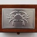 Horoszkópos doboz, Otthon, lakberendezés, Tárolóeszköz, Doboz, Alumíniumlemezzel díszített horoszkópos dobozka (13 cm × 19 cm × 8 cm).  Felár ellenében a következő..., Meska