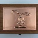 Nyuszis doboz, Dekoráció, Játék, Ballagás, Dísz, A doboz felső lemeze nyuszis motívummal, dombornyomásos technikával készült. A doboz mérete: 13 cm ×..., Meska