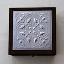 Egyedi díszdoboz-különleges alkalmakra, Mindenmás, Egyedi, nem saját mintával készített dobozka. Mérete 15x15x8 cm.  A fedél belső felületére kérhető f..., Meska