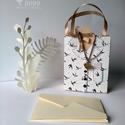 Egyedi, kisméretű papír ajándéktáska - Kismadár, Mindenmás, Papírművészet, Pénzzel, vagy ajándékkártyával szeretnéd meglepni szeretteid? Esetleg a névjegykártyádat szeretnéd ..., Meska