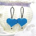 Makramé szív fülbevaló - türkiz, Ékszer, Fülbevaló, Makramé technikával, fekete és türkiz színű szatén szállal készített fülbevaló. Szív alakú formája a..., Meska