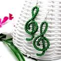 Violinkulcs fülbevaló - smaragdzöld, Ékszer, Fülbevaló, Csomózás, Ékszerkészítés, Makramé technikával készített, violinkulcs formájú fülbevaló, a zene szerelmeseinek.  A fülbevalóho..., Meska