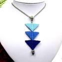 Tripla háromszög nyaklánc - kék, Makramé technikával készült medál, 3 különb...