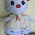 Hello Kitty figura, Baba-mama-gyerek, Játék, Gyerekszoba, Játékfigura, Varrás, Sok kislány kedvenc figurája Hello Kitty. Az én cicám is ennek mintájára készült fehér filcből. Ame..., Meska