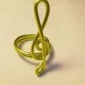 Melódia gyűrű, Ékszer, óra, Gyűrű, A gyűrűt sárga alumínium drótból, csavarással készítettem. Átmérője 22 mm. , Meska