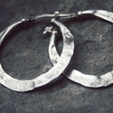 Kalapált karika fülbevaló ezüst ékszer, Ékszer, Mindenmás, Fülbevaló, Kalapált karika fülbevaló ezüst ékszer. Légy merész, extravagáns és elegáns egyszerre ezze..., Meska