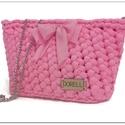 Frozen pink horgolt party táska, Táska, Válltáska, oldaltáska, Ékszerkészítés, Különleges horgolással készült ez a kis masnis táska. A legszükségesebb dolgaidnak készült. Élénk, ..., Meska