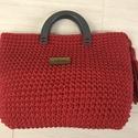 Piros horgolt zsinórtáska, Táska, Horgolás, Erős, vastag zsinórfonalból készült táska. 10x30 cm-es piros bőr alapra készült, magassága 30 cm. B..., Meska