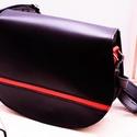 Fekete válltáska piros csíkkal, Táska & Tok, Kézitáska & válltáska, Bőrművesség, Erre a méretű táskára minden nőnek szüksége van a mindennapi élet során. Egyszerű kivitelezésű csak..., Meska