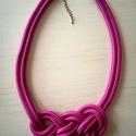 Rózsaszín paracord csomózott nyaklánc, Ékszer, Nyaklánc, Paracord kötéllel készült nyaklánc, amely akár a hétköznapi, akár az alkalmi öltözékünk..., Meska