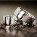 Fás-ezüst karikagyűrű, Ékszer, óra, Gyűrű, A gyűrűben fenn két fa betét található. A sín részén pedig hálós minta. Kérhető a gyűr..., Meska