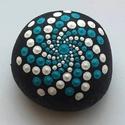 Mandala, kézzel festett kő, Dekoráció, Egyedi, kézzel festett mandala díszítéses kisebb méretű kő dísz. Vízhatlan (akril) festékk..., Meska
