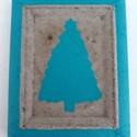 Kék karácsonyfa kézzel készült dekoráció keretre festve, Dekoráció, Karácsonyi, adventi apróságok, Dísz, Ünnepi dekoráció, Karácsonyi dekoráció, Festett tárgyak, Gyönyörű türkizkék színű karácsonyi dekoráció. Az egyedi, általam készített és festett díszkeretet ..., Meska