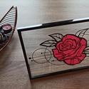 Rózsás asztali kép, Otthon & lakás, Dekoráció, Kép, Dísz, Lakberendezés, Asztaldísz, Papírművészet, 31 cm x 21 cm-es műanyag képkeret, melyben két üveglap között, kézzel vágott papírkép van elhelyezv..., Meska
