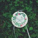 Gyűrűtartó - Gyűrűpárna helyett esküvőre, Esküvő, Gyűrűpárna, Kézzel hímzett gyűrűtartó készült.   Mérete 9 cm  Plusz hímzés még kérhető rá, nevetek kezdőbetűje v..., Meska
