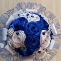 Selyemvirágcsokor , Esküvő, Szerelmeseknek, Esküvői csokor, Esküvői dekoráció, Kék-fehér színű csodacsokor,akinek a kék a színe biztos nagy öröme lesz benne!15 db rózsáb..., Meska