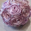 Selyemvirág csokor romantikus színekben!, Dekoráció, Esküvő, Csokor, Esküvői csokor, Virágkötés, Rózsaszín kézzel készített szaténrózsákból álló csokor,ami lehet akár koszorúslány vagy dobó csokor..., Meska
