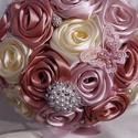 Csodálatos romantikus csodacsokor ,ami örök emlék marad!, Esküvő, Szerelmeseknek, Esküvői csokor, Ballagás, Virágkötés, Gyönyörű színekben pompázó csodacsokor esküvőre,ballagásra is ajánlható.Nagy méretű ,26 db rózsából..., Meska