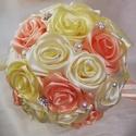 Selyemvirág csokor, Esküvő, Dekoráció, Szerelmeseknek, Esküvői csokor, Virágkötés, Ekrü,halványsárga,barack színű selyemvirágcsokor gyöngyökkel,strasszal díszítve.Átmérője 20 cm és 2..., Meska