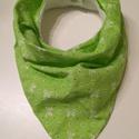 Masnis zöld nyálkendő, Baba-mama-gyerek, Ruha, divat, cipő, Baba-mama kellék, Kendő, sál, sapka, kesztyű, Varrás, Saját készítésű új nyálkendő. Pamutvászon és polár anyagból készült. Dupla műanyag patenttal van el..., Meska