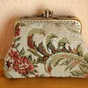 Rózsás pénztárca, Táska, Pénztárca, tok, tárca, 10 cm fém keret varrt dupla pénztárca.Pamut vászonból készült. Mérete : 10 cm magas 13 cm sz..., Meska