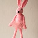 Horgolt balerina nyuszi, Játék, Baba játék, Játékfigura, Plüssállat, rongyjáték, Horgolás, Kötés, A nyuszkó tüll szoknyát kapott, akár ikreknek is jó ajándék lehet, ha párban választod. Nyúzható, v..., Meska